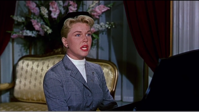 Doris Day zingt aan de piano