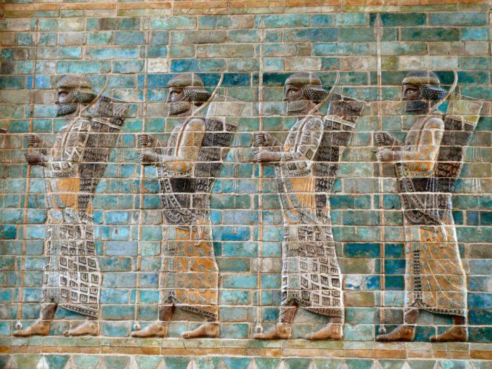 Fries van Perzische boogschutters van Darius I uit het Pergamon-museum in Berlijn